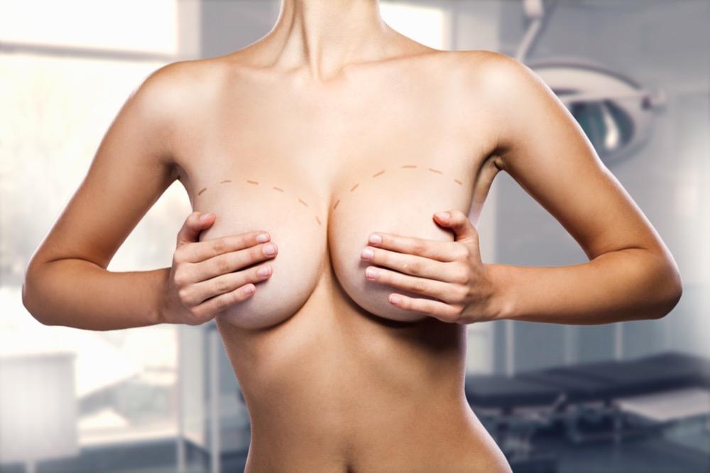 jak przygotować się do operacji powiększania piersi