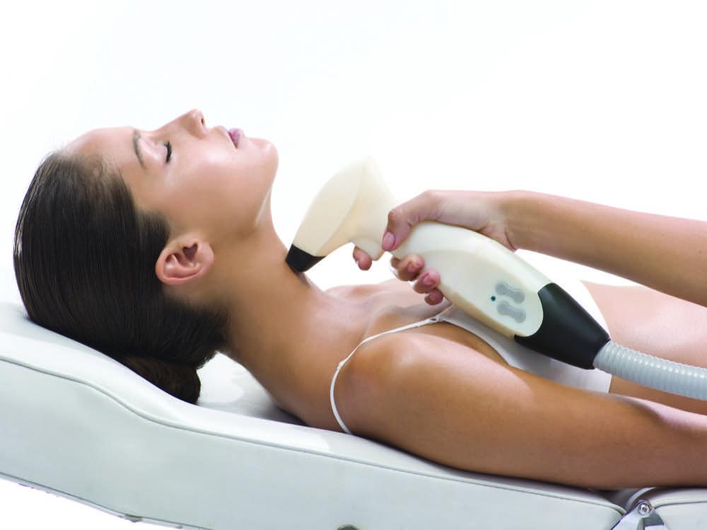 jak podnieść owal twarzy i ujędrnić skórę dermaestetic