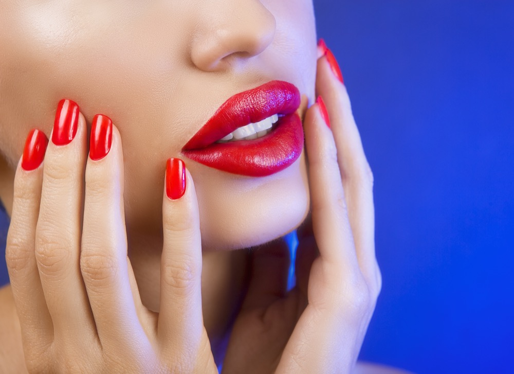 jak powiększyć usta za pomocą konturówki i pomadki