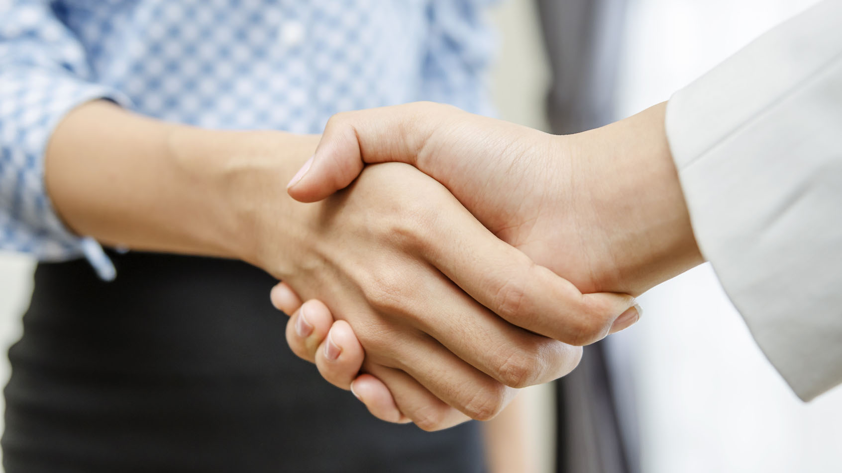 jak pielęgnować dłonie i paznokcie w domu