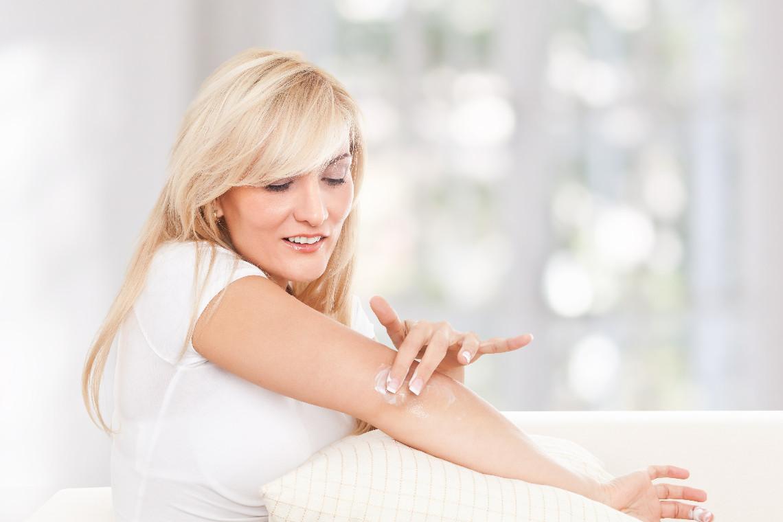 jak pielęgnować suche łokcie, kolana i pięty dermaestetic