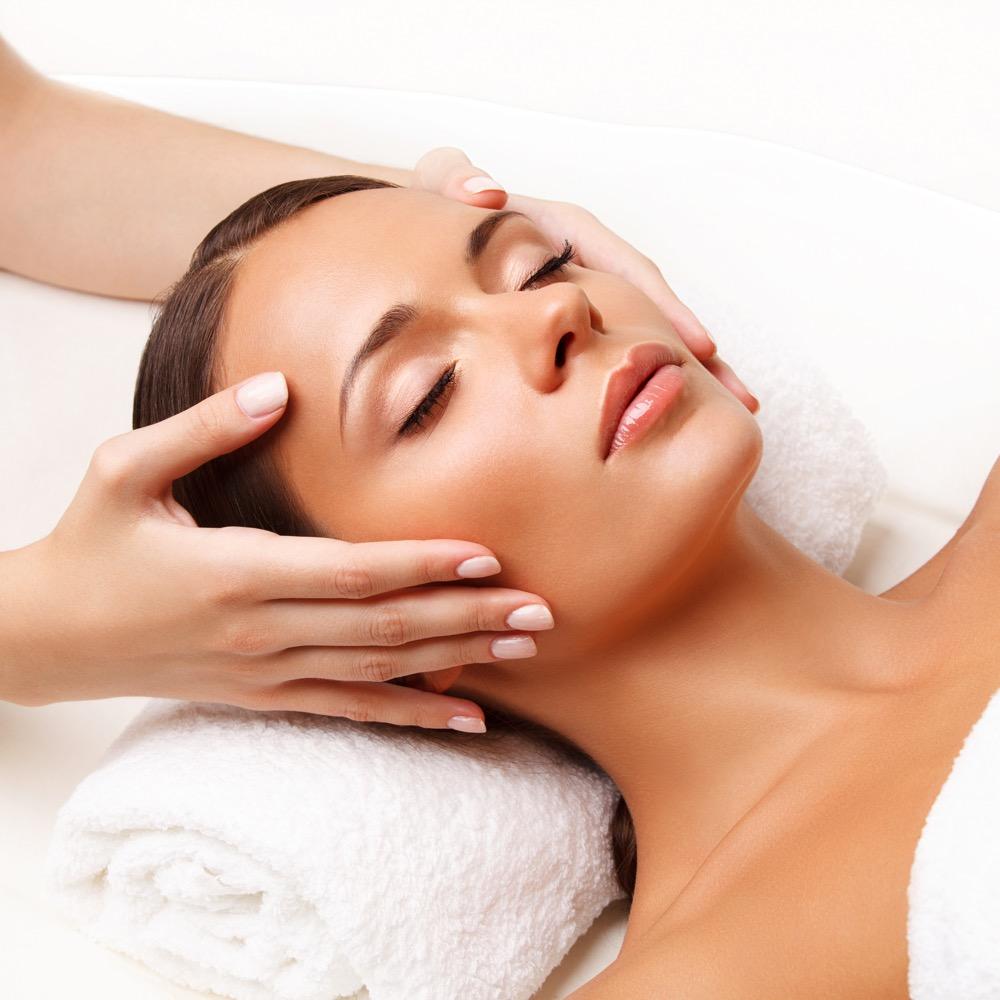 Jak wykonać masaż twarzy dermaestetic